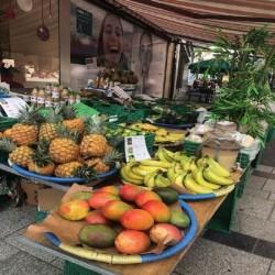 marché avec nos mangues